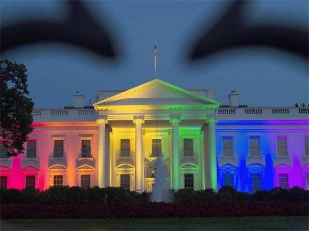 white-house-in-rainbow-colors-symbolizing-lgbt-pride