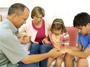 family-praying