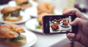 Food-selfie-Socialmedia