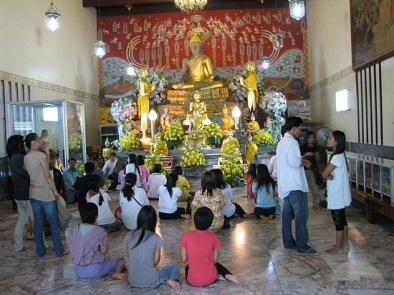 multi-statue-worship