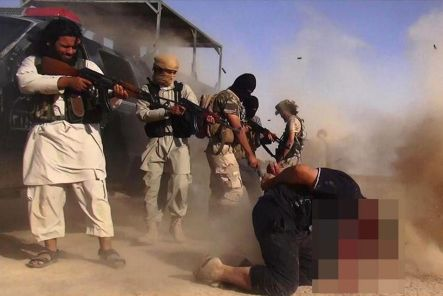 ISIL-militants-executing-members-of-the-Iraqi-forces-on-the-Iraqi-Syrian-border.jpg