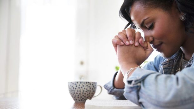 black-woman-praying-1-1024x576